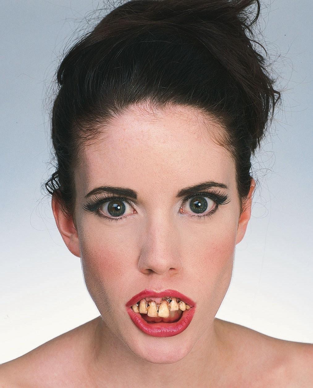 fausse dent pourri